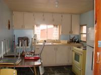 <h2>19. Cabin #2 kitchen</h2><p></p>